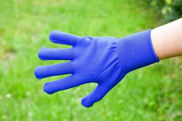 Product: Kriebelhandschoen. Stevige poetshandschoen van katoen voor je paard. Geef je paard al poetsend een heerlijke massage. Ook ideaal om je paard te wassen!